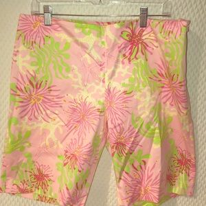 Lilly Pulitzer shorts size 12 resort fit💋